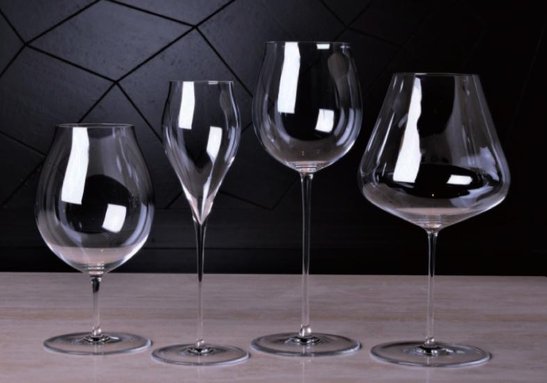 ザルト、ロブマイヤー等の上質なワイングラスを取り揃えています