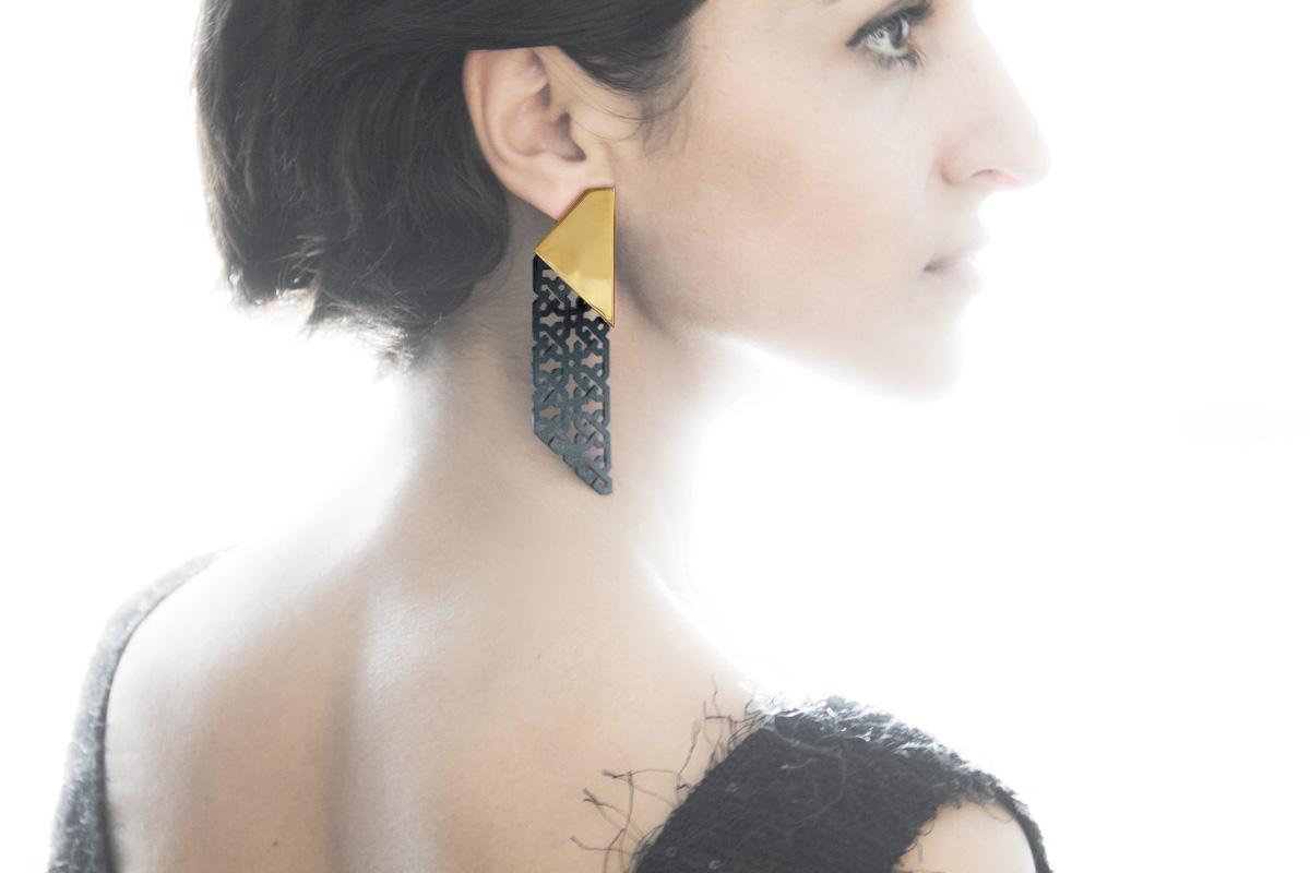 NARINÉE earring1b.jpg