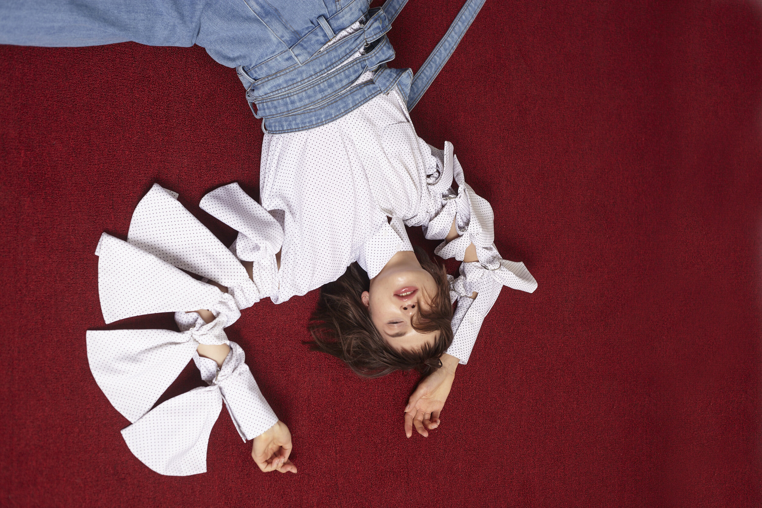 Copy of REEMAMI SS18 campaign WHITE SHIRT 2.jpg