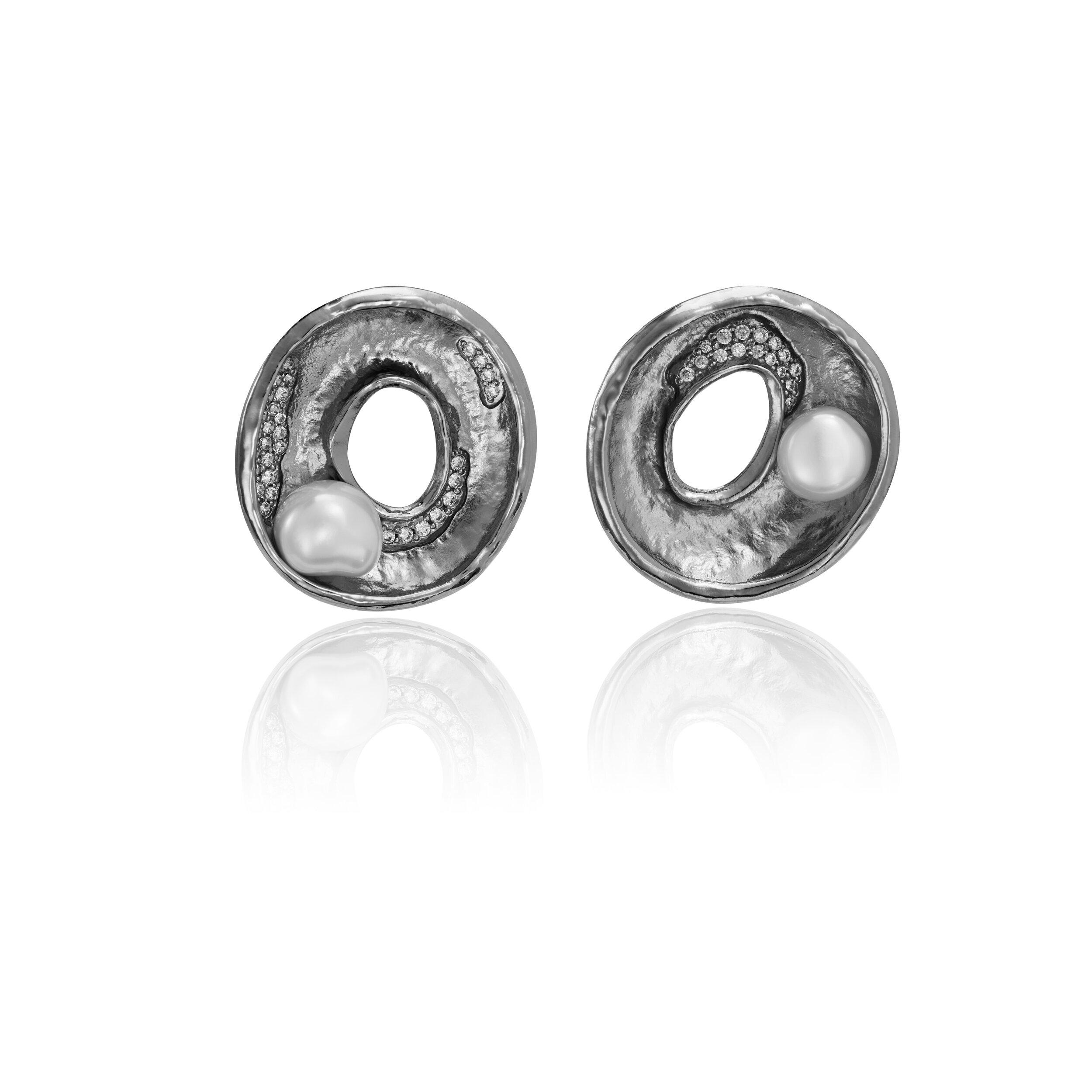 Hollow Earrings.jpg