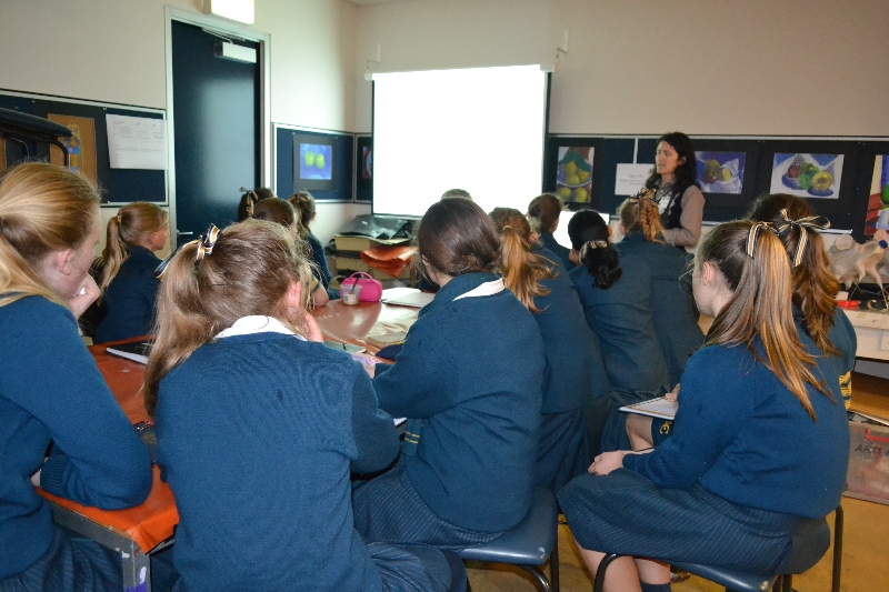 loreto-college-workshop1-nina-rupena.jpg