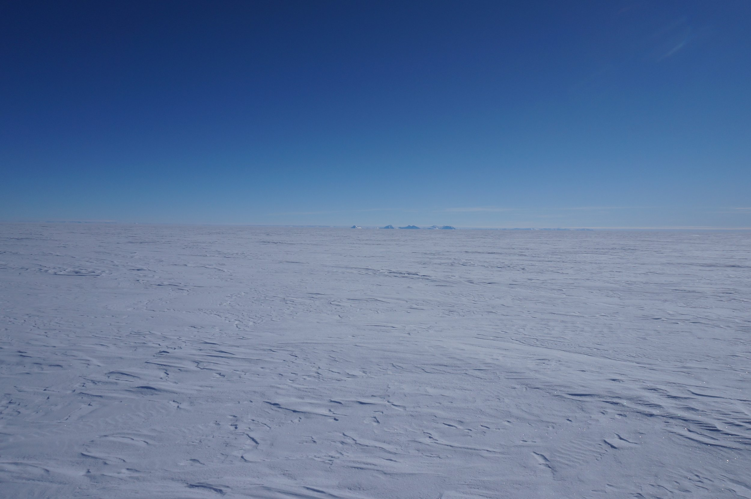 Leaving the Ellsworth mountains behind and heading into the centre of Antarctica