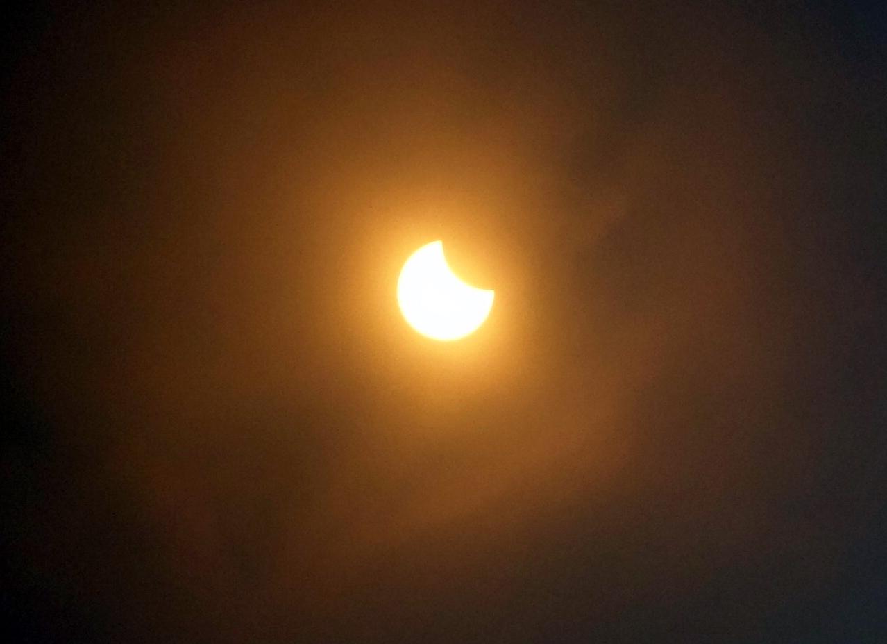 eclipse1b.jpg