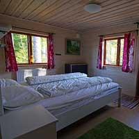 Knallhytten_bedroom.jpg