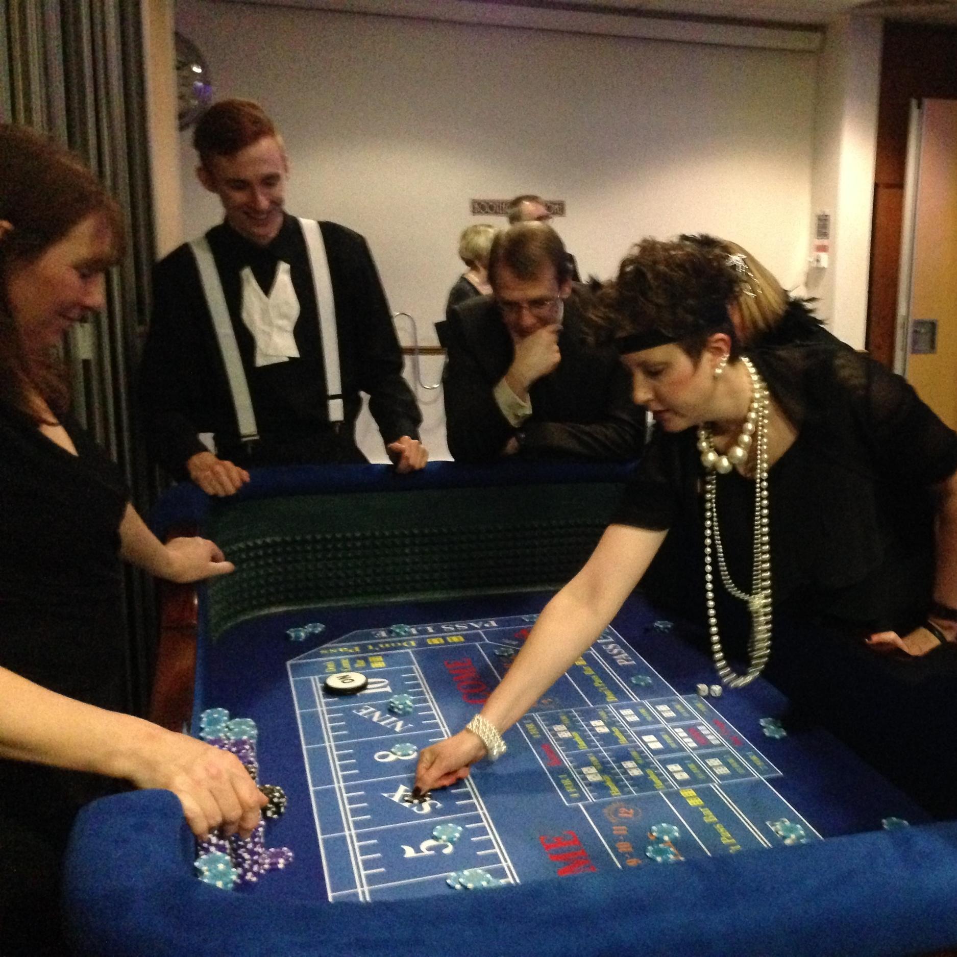 red_and_black_casinos_craps-dice_parties