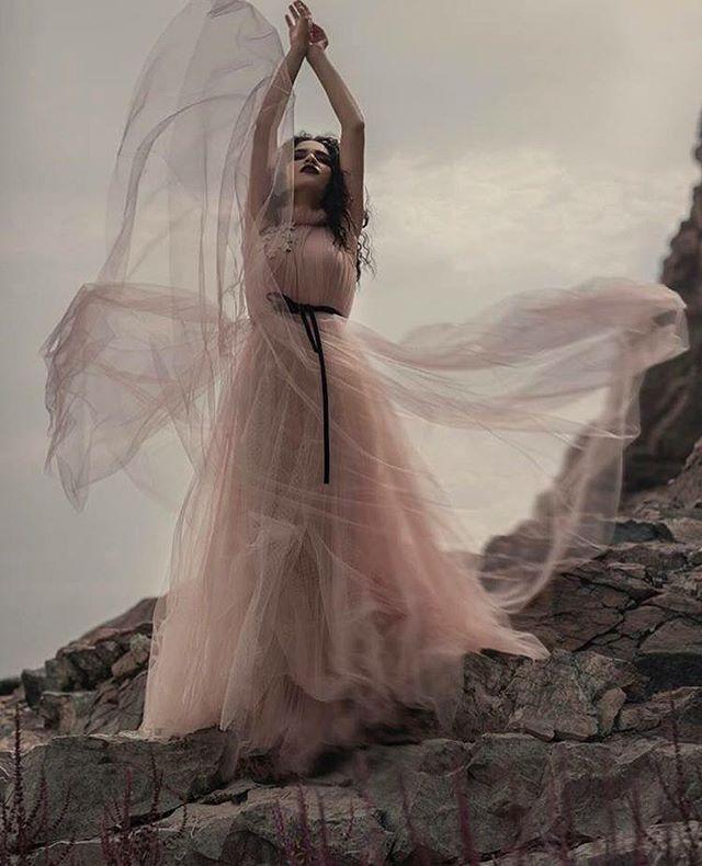 Photo by: @amanialshaali Photography | www.fashionactions.com
