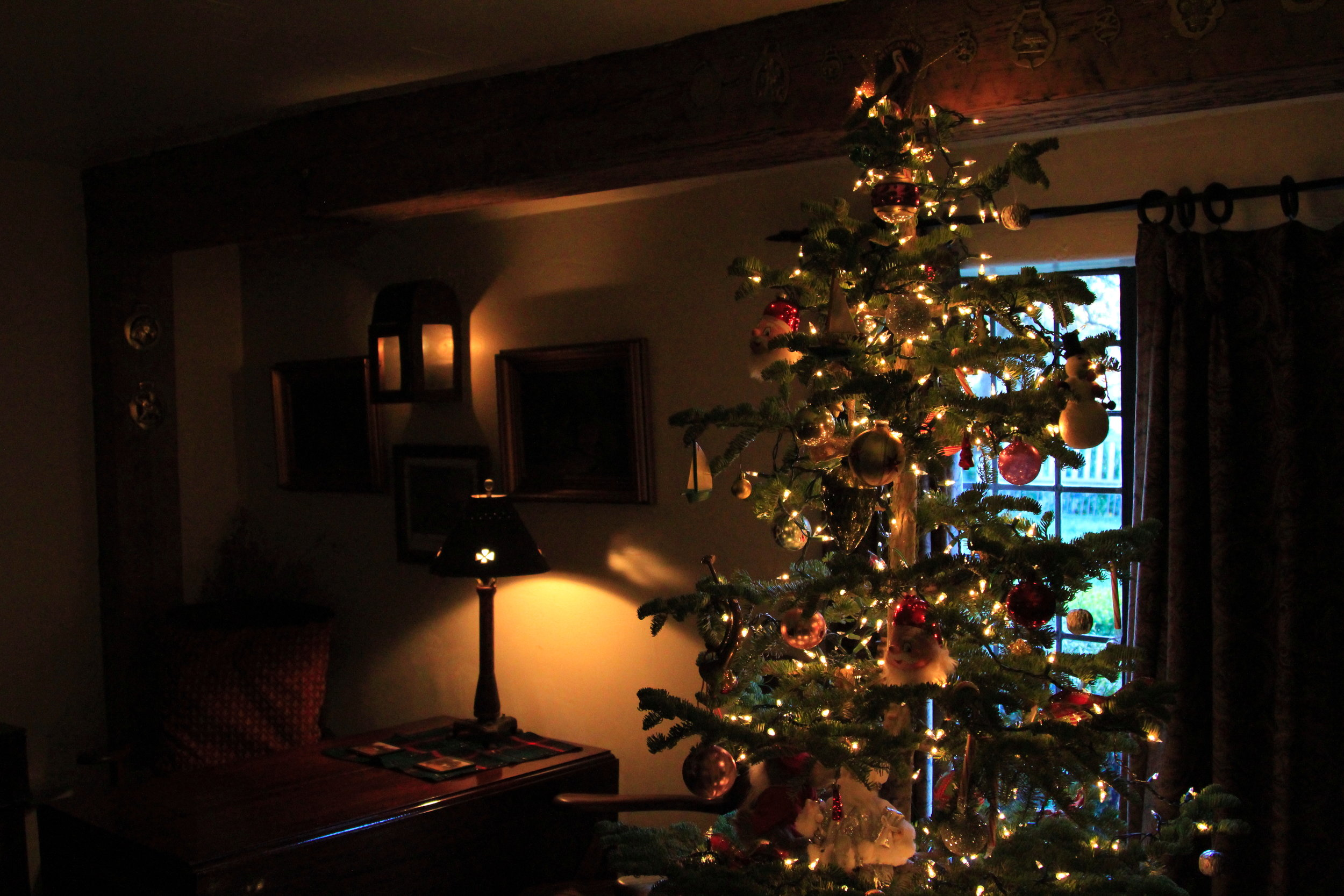 The Pelican Inn at Christmastime