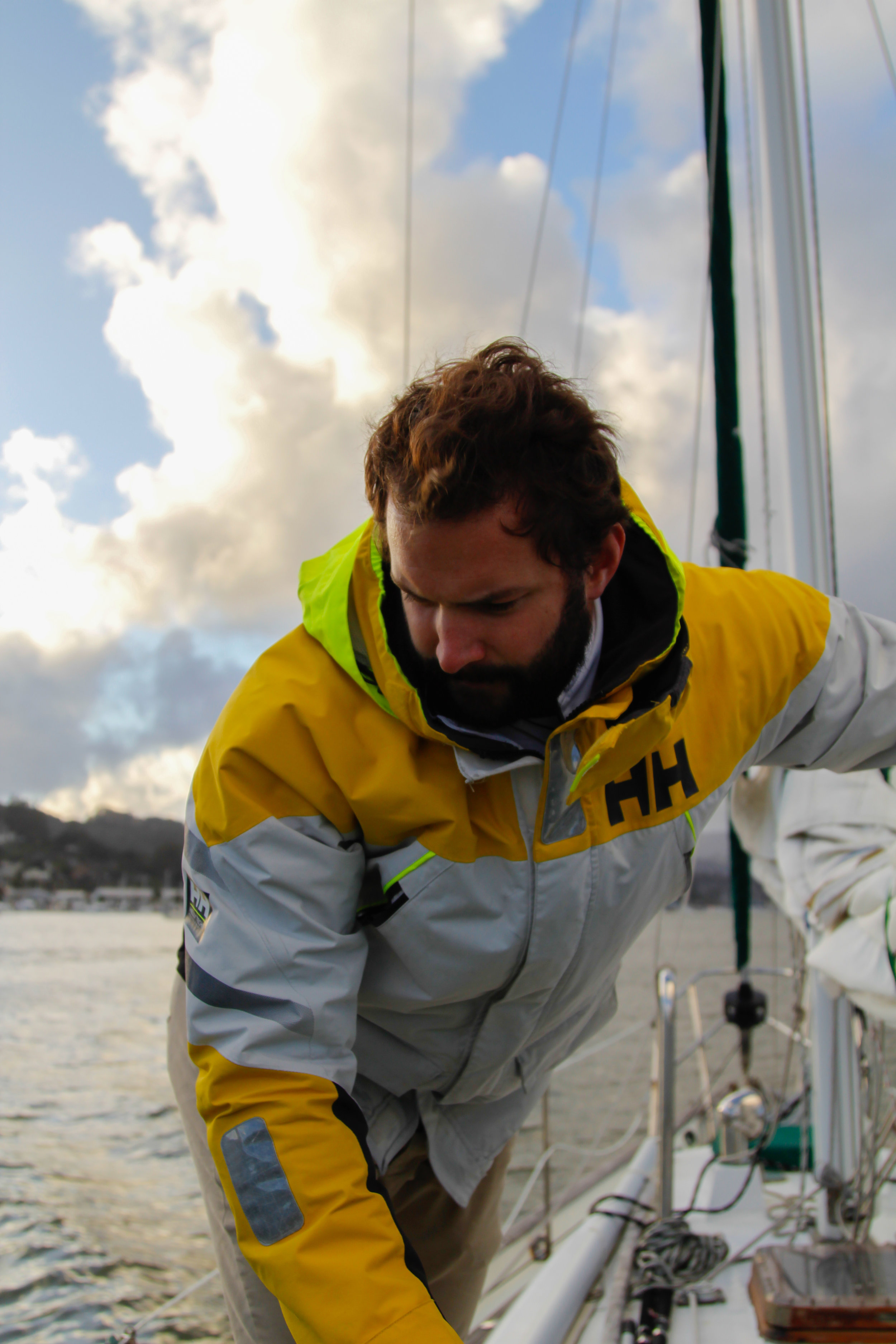 Want to know what it's like to live on a sailboat? Read about it here!