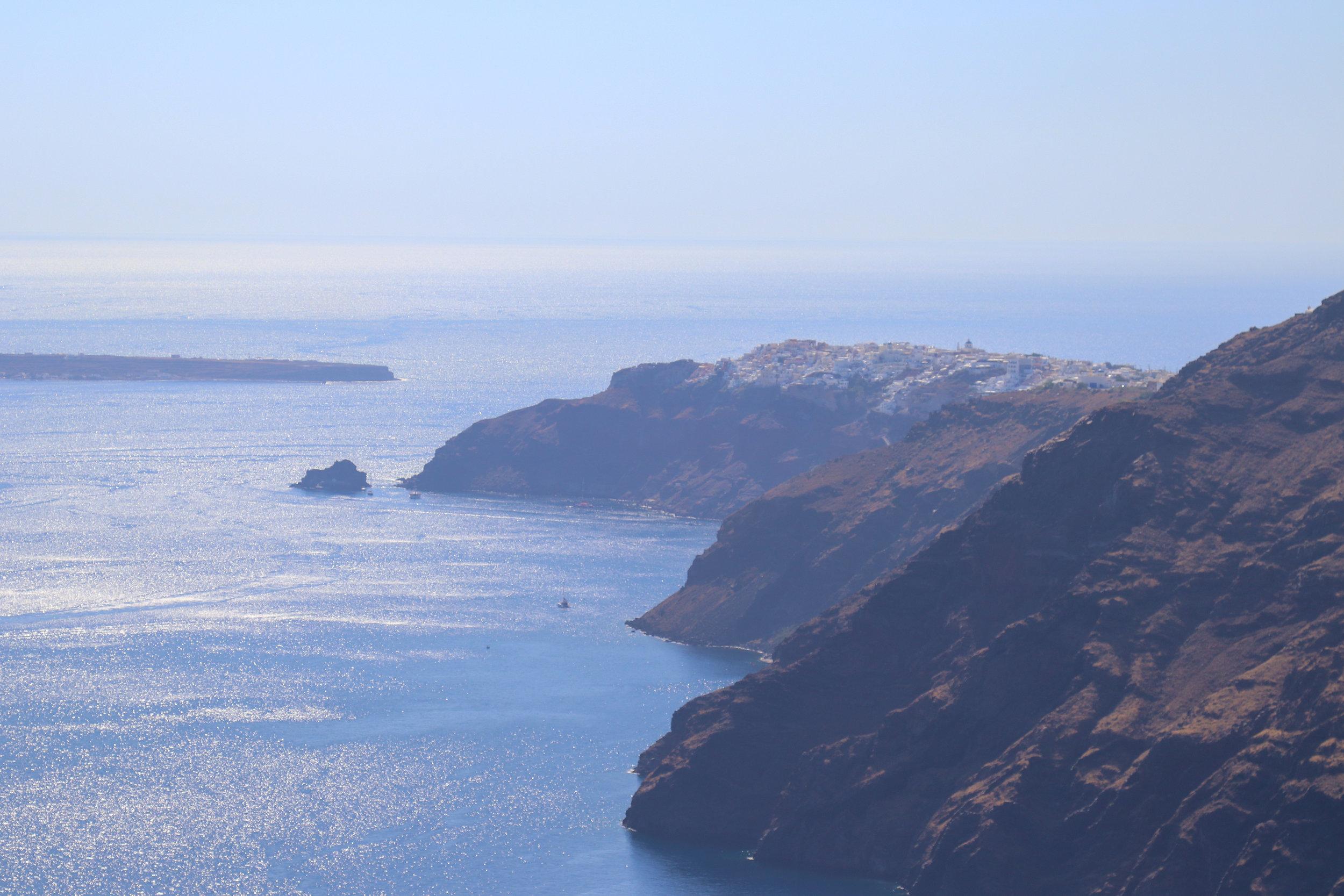 hike from oia to fira, santorini