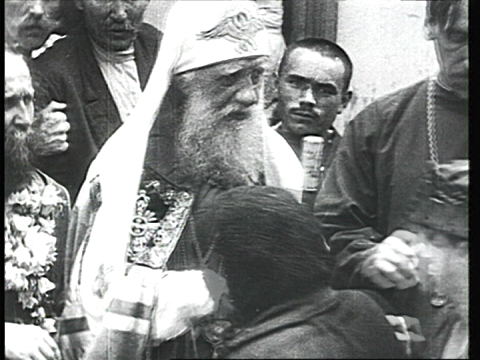 Saint_Tikhon_of_Moscow_blessing.jpg