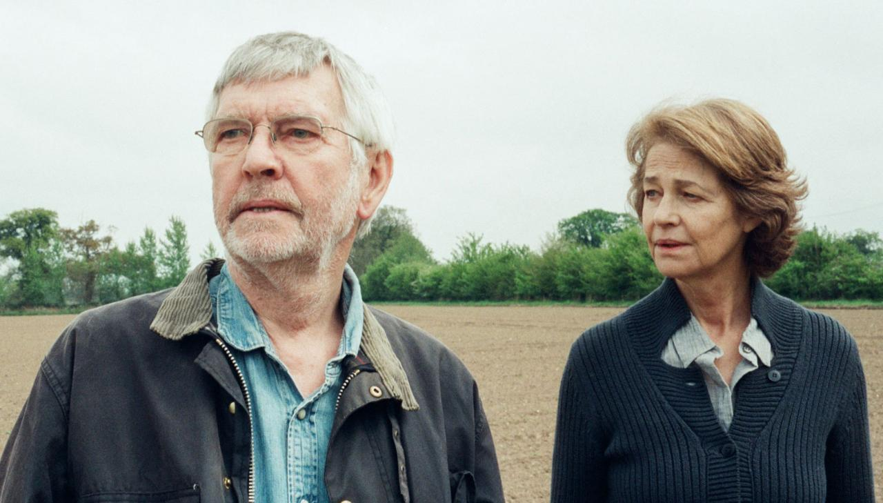 After 45 years, Geoff and Kate Mercer (Tom Courtenay and Charlotte Rampling ) face a crisis in their marriage.