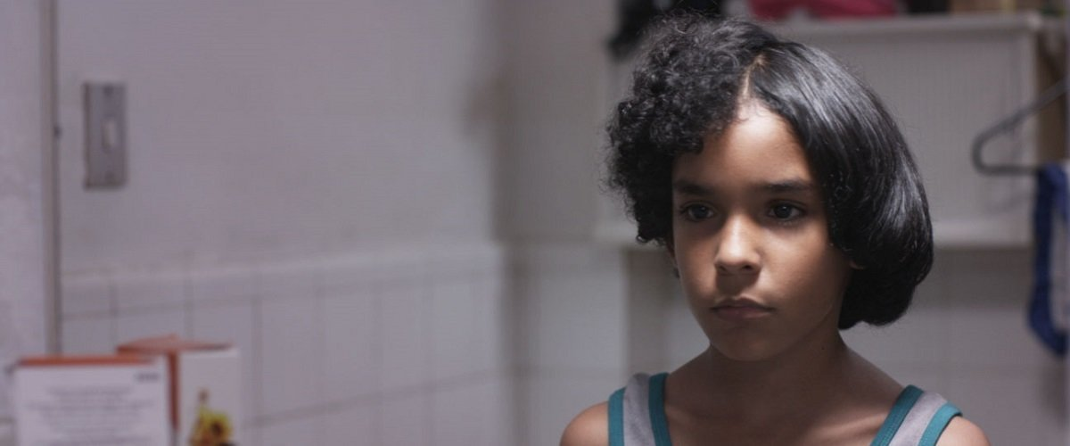 """In the housing projects of Caracas, a boy with """"Afro hair"""" dreams of becoming famous in Mariana Rondón's Bad Hair"""