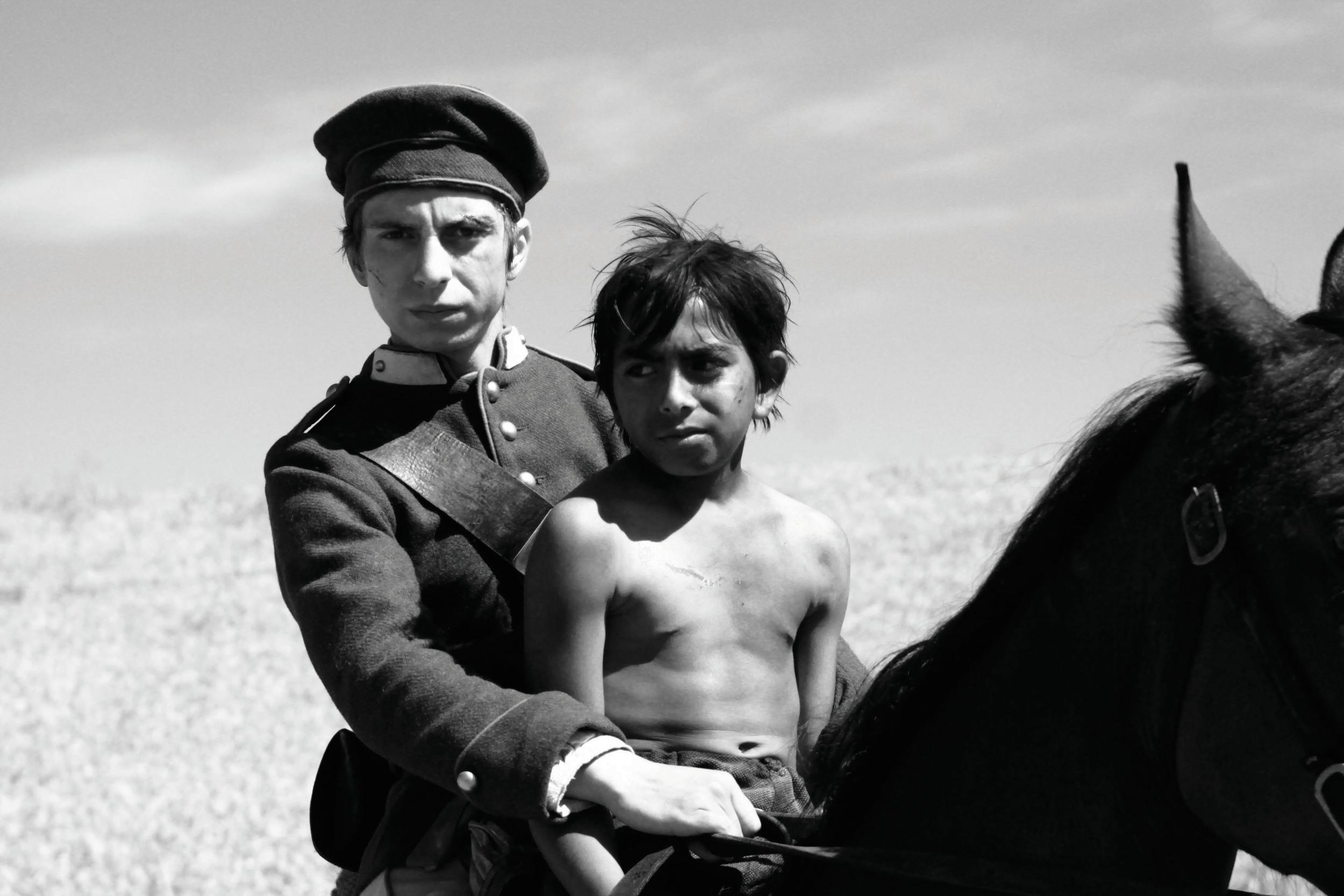 Mihai Comānoiu (Ionitā) and Alberto Dinache (Tintiric).