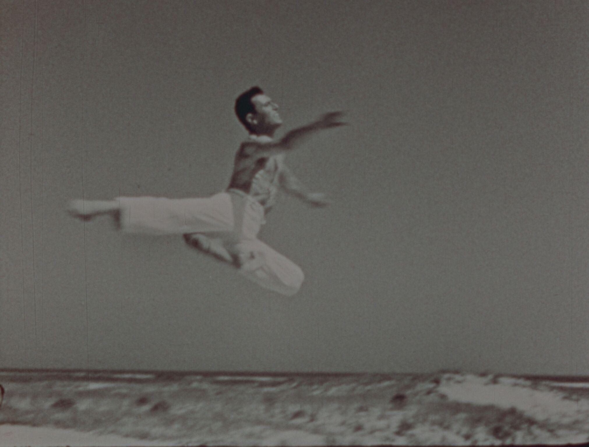 Shirley Clarke's  Dance in the Sun  (1953).