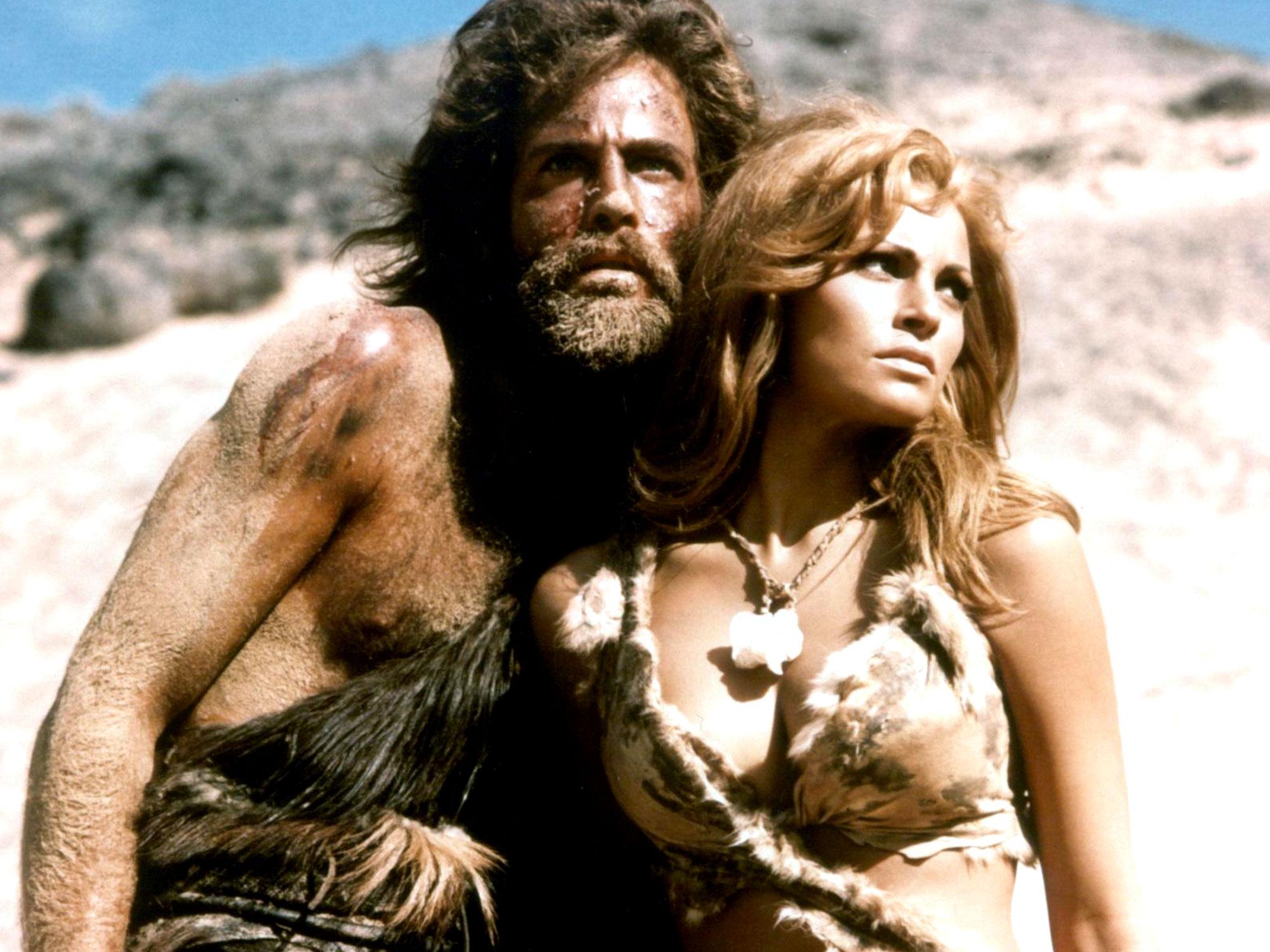 Tumak (John Richardson) and Loana (Raquel Welch).