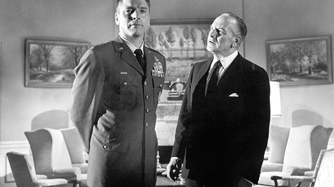 President Lyman (Fredric March) confronts the traitorous General Scott (Burt Lancaster) at the White House.