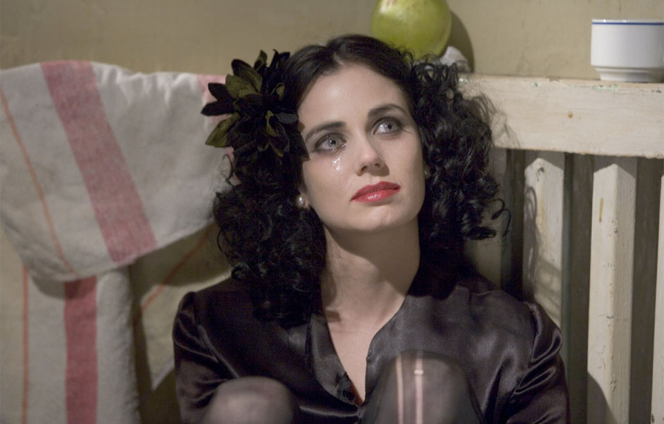 Mia Kirshner in  The Black Dahlia  by Brian de Palma.