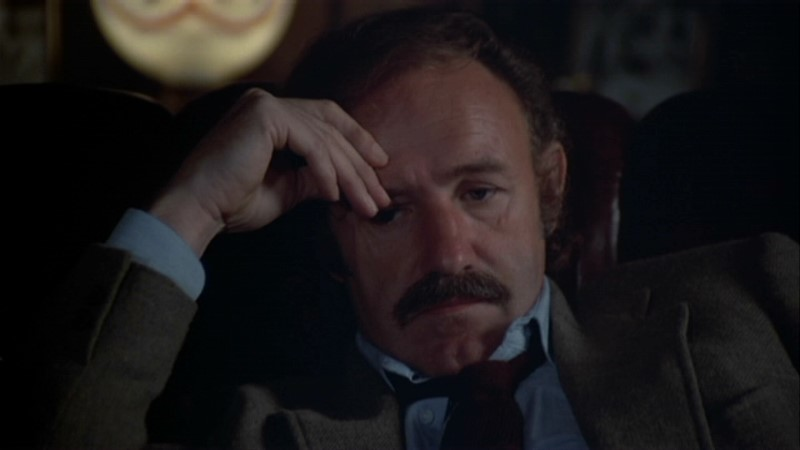 Gene Hackman plays Harry Moseby, a forty-year-old ball player-turned-P.I.