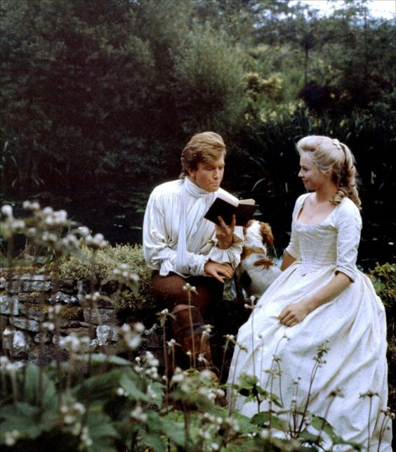 The halcyon days of romance between Tom (Albert Finney) and his beloved Sophie (Susannah York).