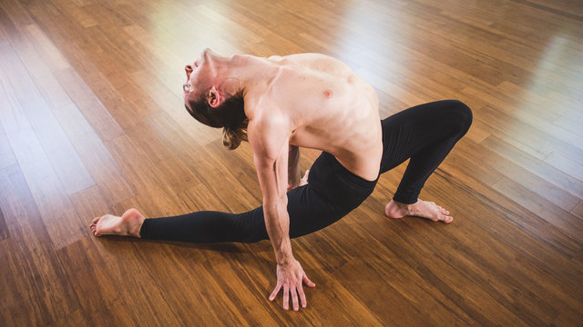 UNLIMITED VINYASA - 5 videos | 4 hr 56 min