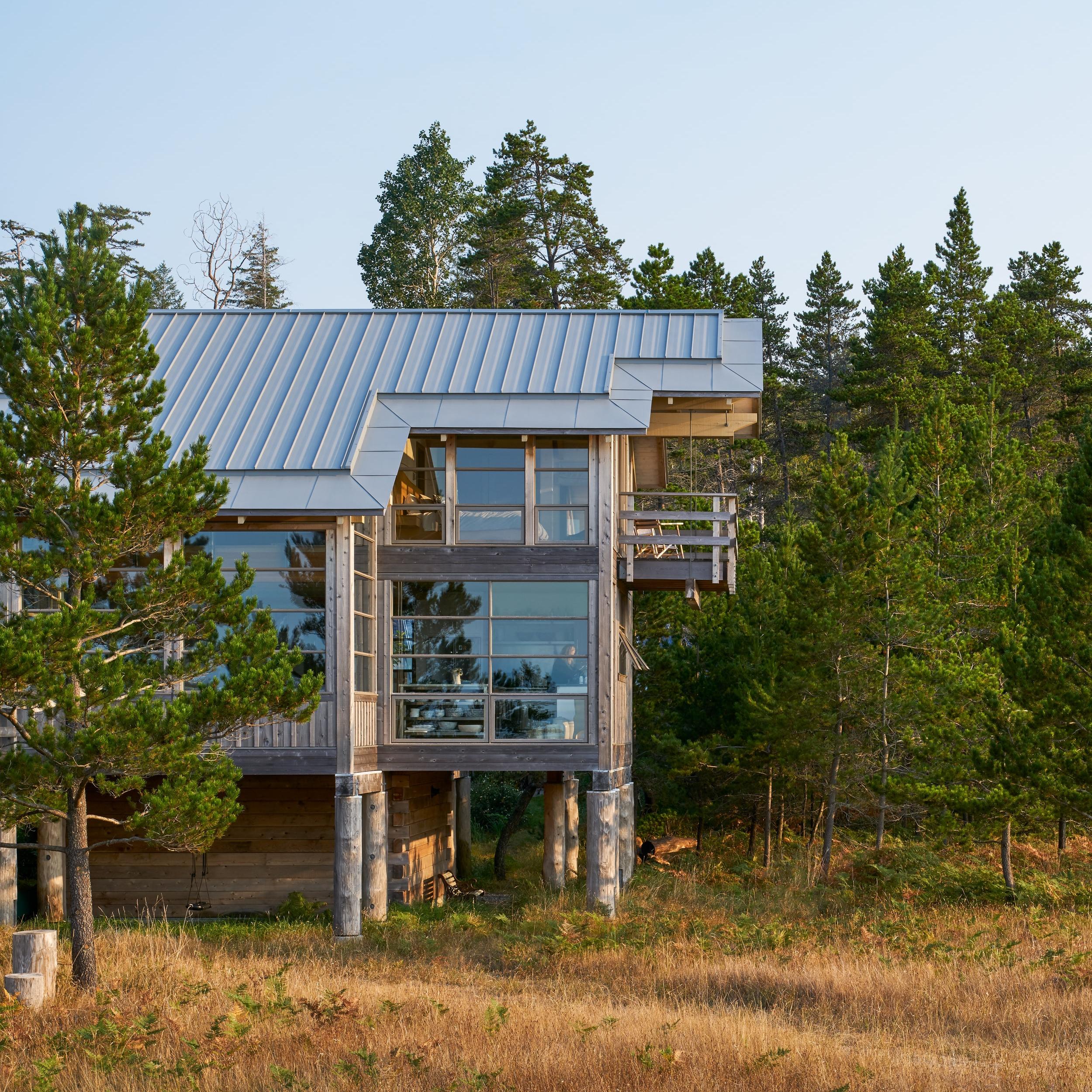 10.  PILE HOUSE