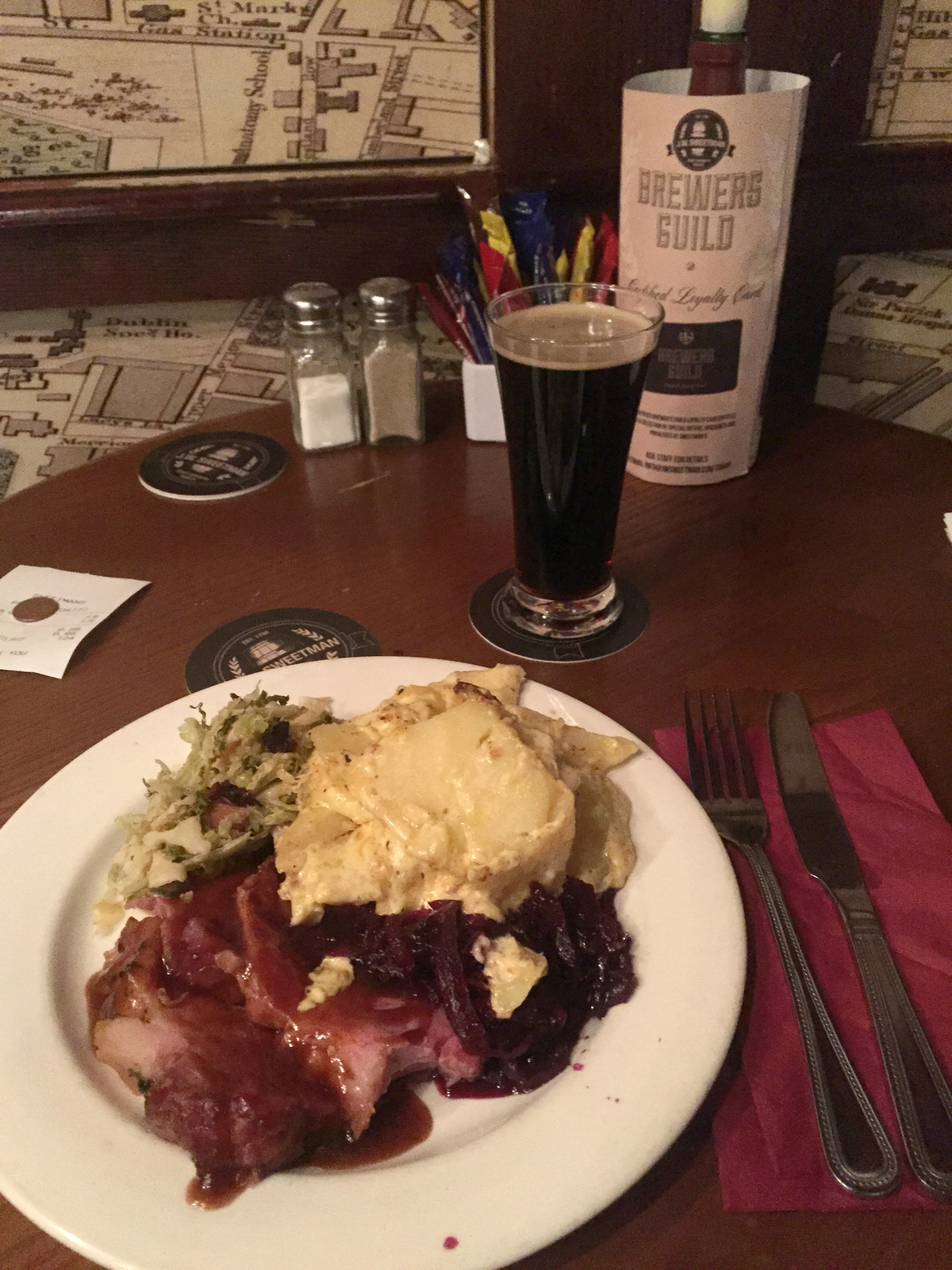 Pale ale marinated ham with Gravy, red cabbage, green cabbage and Potatoes au gratin