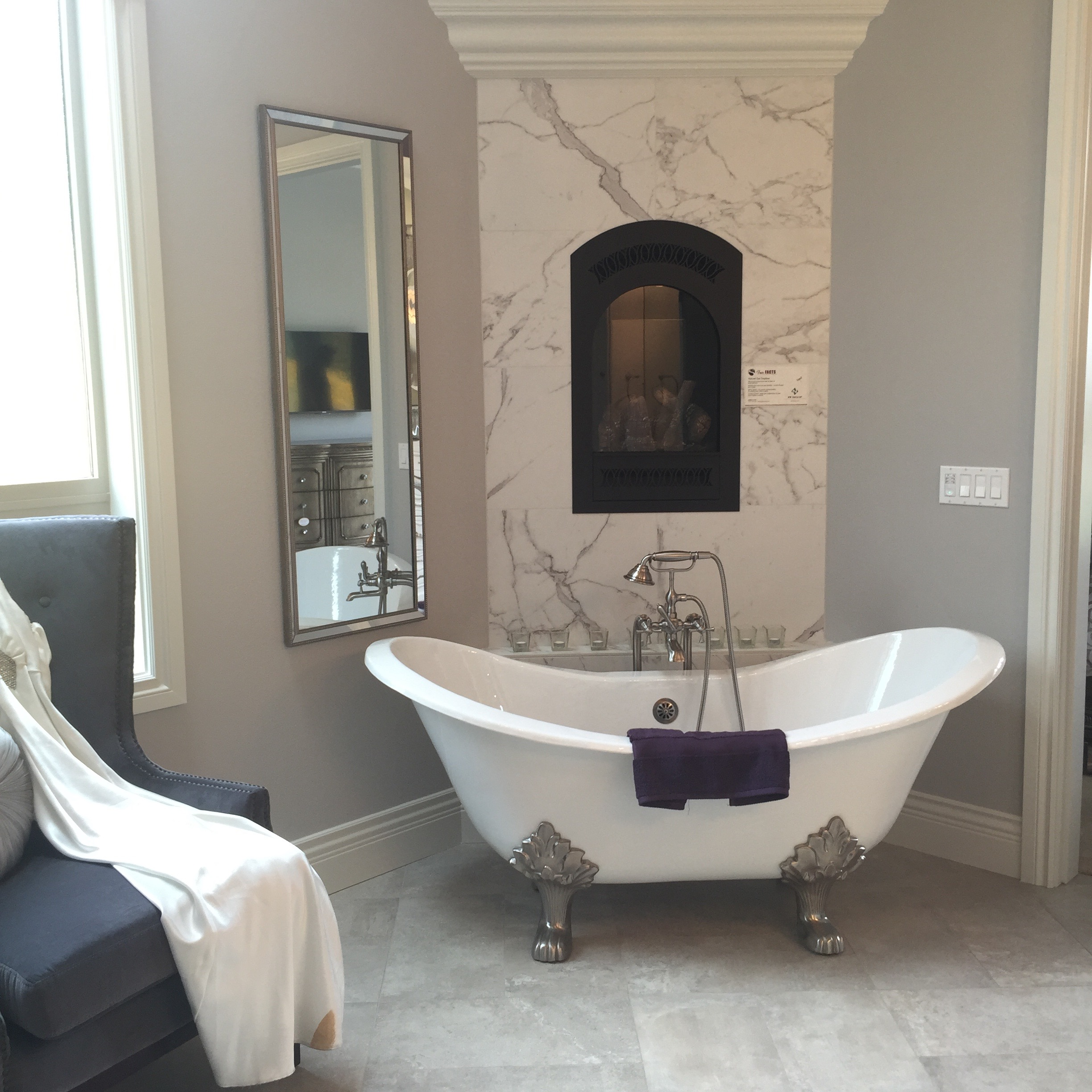 Can I spend literally all of my time in this bathroom please??