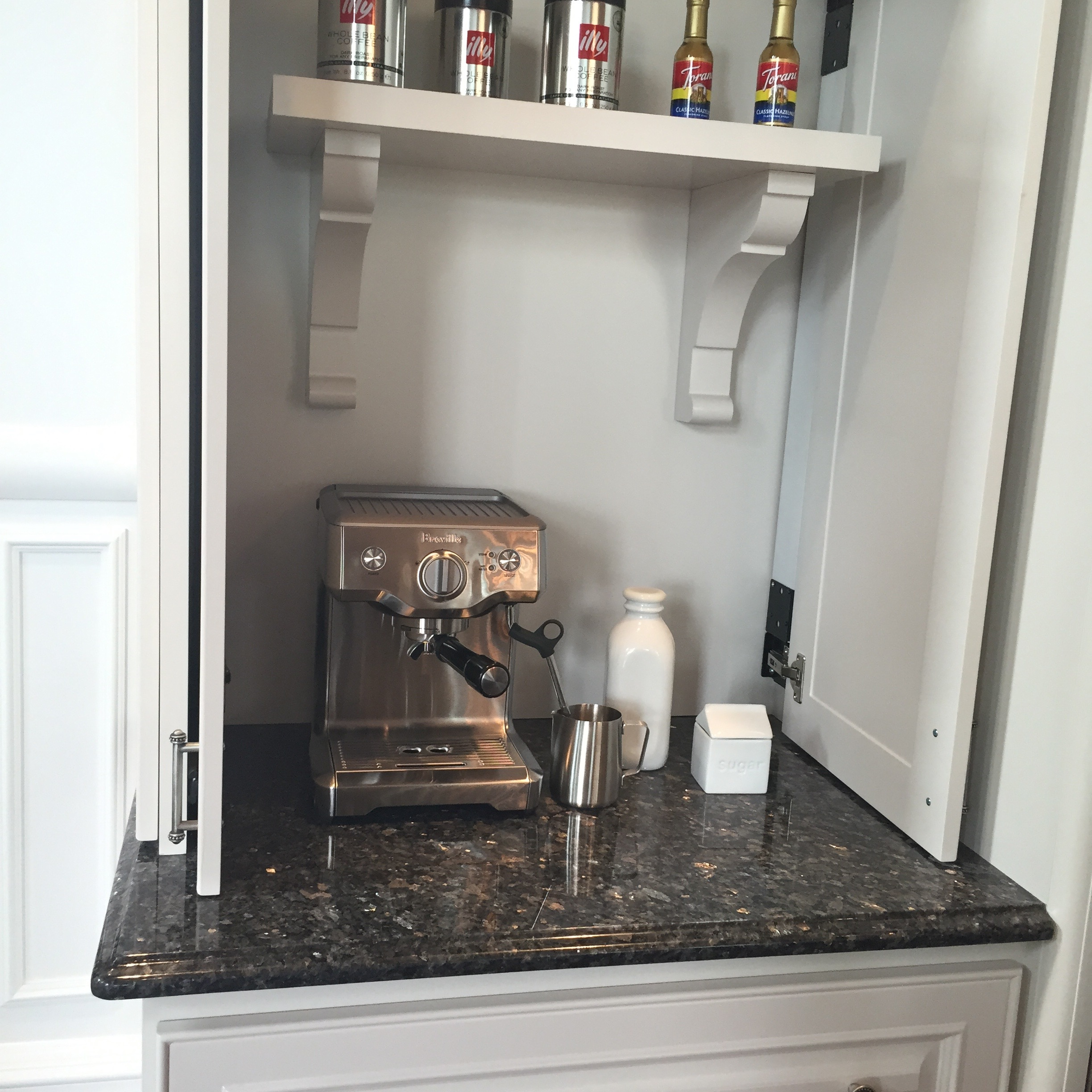 I loved this coffee nook in the kitchen, what a great idea!