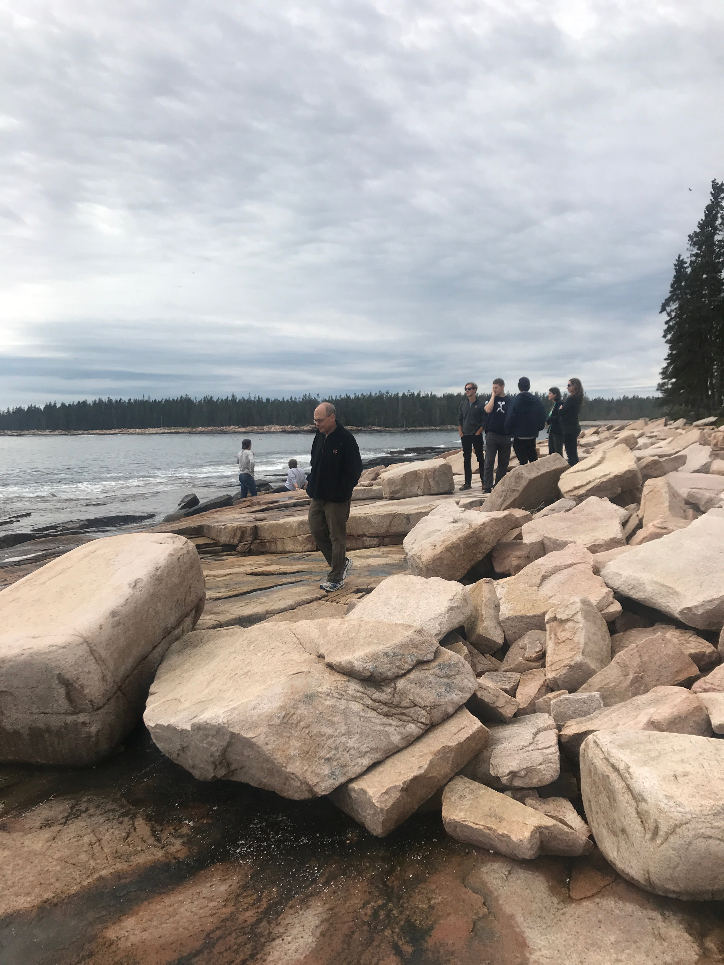A mid-day hike on the coast