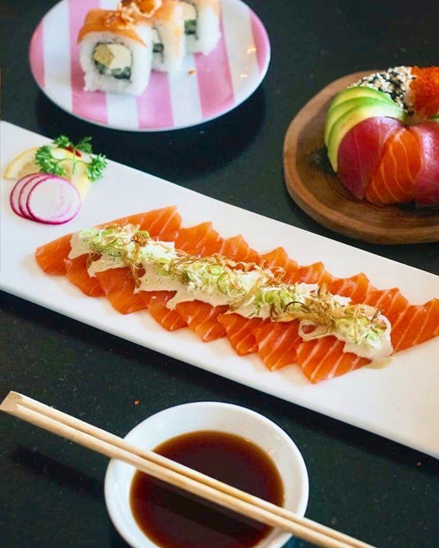 On Friday We Feast! 🍣 ALL PLATES 20k 🍣 ⠀ ⏰ 5PM till drop only at #sushimibali .⠀ .⠀ .⠀ #food #sushi #indonesia #bali #sushimix #sushirolls #sushilove #lovesushi #sushilife⠀