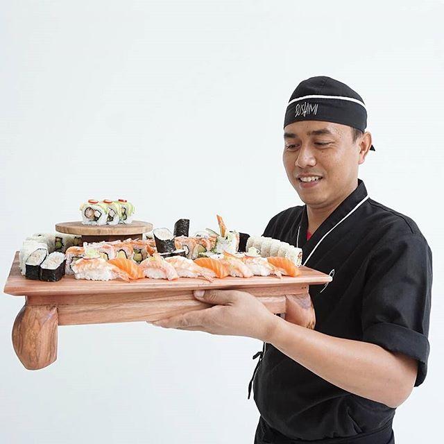 Fish Better Have My Money💥 . . . 📸 @putu_sushi #bali #sushi #sushimi #seminyak #sushimilove