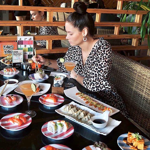 ⠀ Friday ALL PLATES 20k 🥢 🍣 ⠀ From 5PM ⏰  #sushimibali⠀ .⠀ .⠀ .⠀ @seiichirouwet⠀ #sushi #food #bali #sushitrain #sushimifam #sushimania #sushisushi #sushilovers⠀ #sushiholic