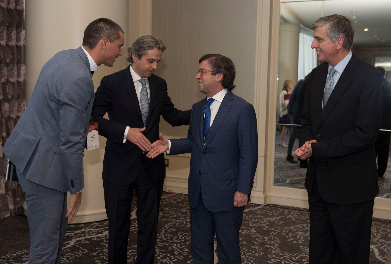 From left to right: Leo Martellotto (JA Americas´ President), Fernando Iraola (Managing Director LATAM, Bank of America, and JA Americas´ Board Member), Luis Alberto Moreno (IDB´s President), and Claudio Muruzabal (President of SAP LATAM and Vice Chair of JA Americas).