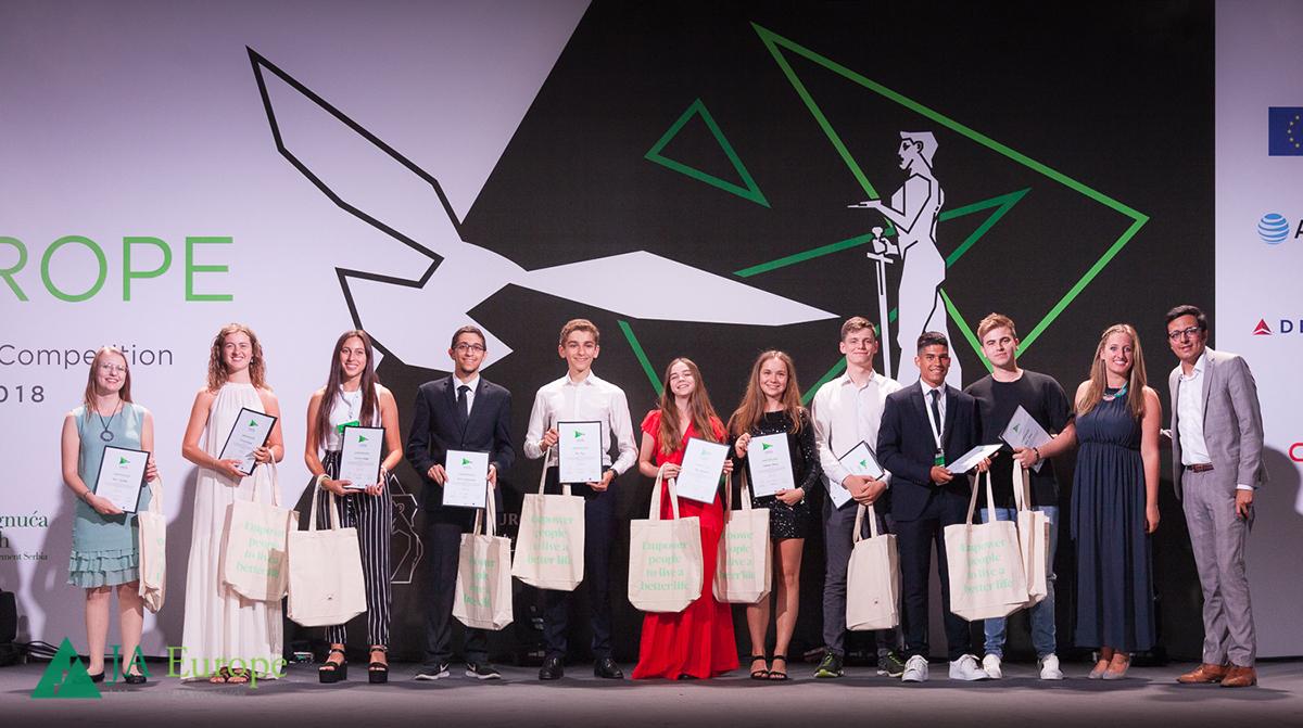 JA-Alumni-Leadership-Awards-COYC18.jpg