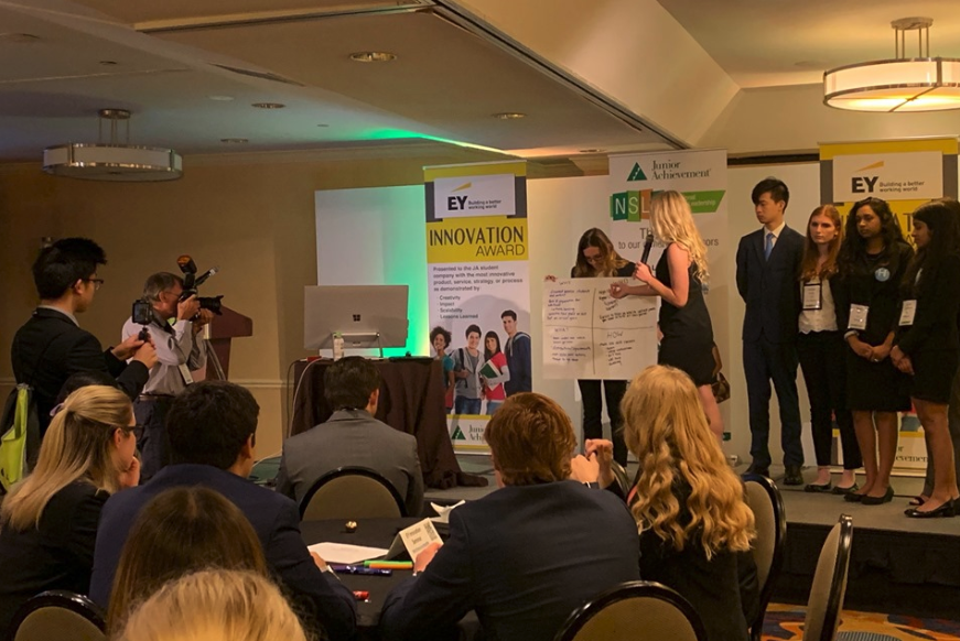Students present ideas at the EY Innovation Seminar.