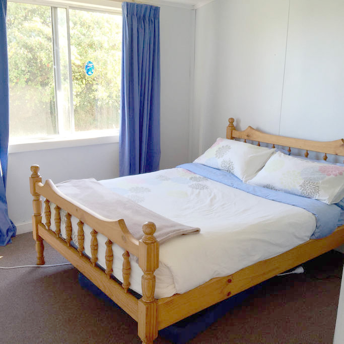 Accomodation-Bedroom-king-island-2.jpg
