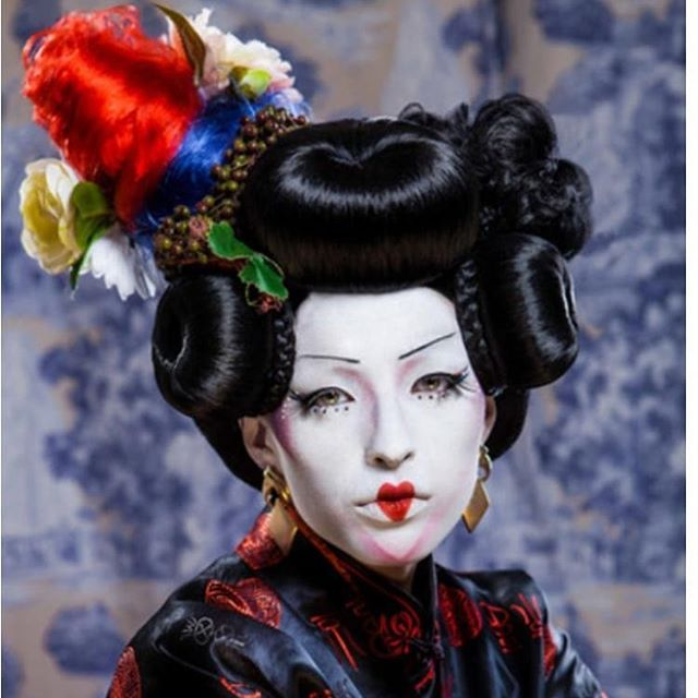 Avant garde couture course - -styling- -wigmaking- -Avant garde- - Course runs for the 5 Sundays of June  Assisted by @taylormaryldn  @charlipeaches_ Reach out to @doris_designs_  For further info #wigmaking #hairtraining #londonhair #hairstylistsoflondon #londonhair