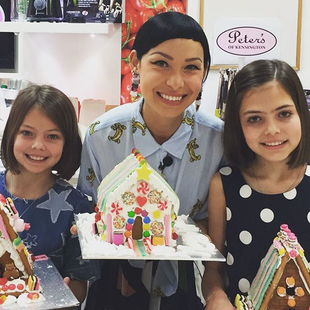 What a treat!!! Thankyou @petersofkensington for including us in such a special morning with the amazing @katherine_sabbath. Best gingerbread houses ever! #celebratethemoments #christmasinsydney #whyintheworldwouldyoushopanywhereelse @fionaskl @chrissysat @mezzymac