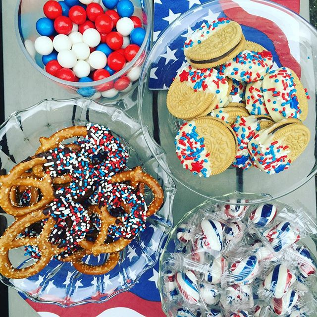 4th of July never looked so YUM. Treats courtesy of @jirasalundquist #4thofjuly #londonsummer2106