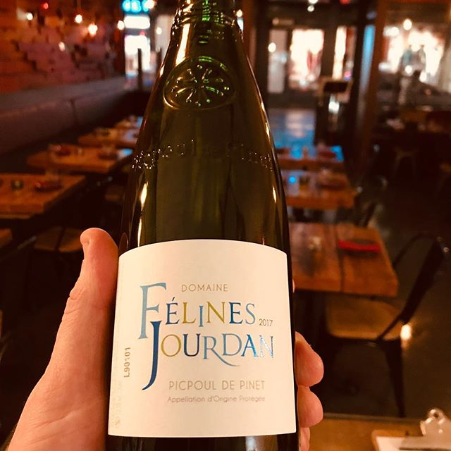 New addition to our wine menu: Domaine Felines Jourdan, Picpoul de Pinet. Perfect dance partner for our pan fried scallops 💃🕺#winesdirect #tapas #sligowhoknew