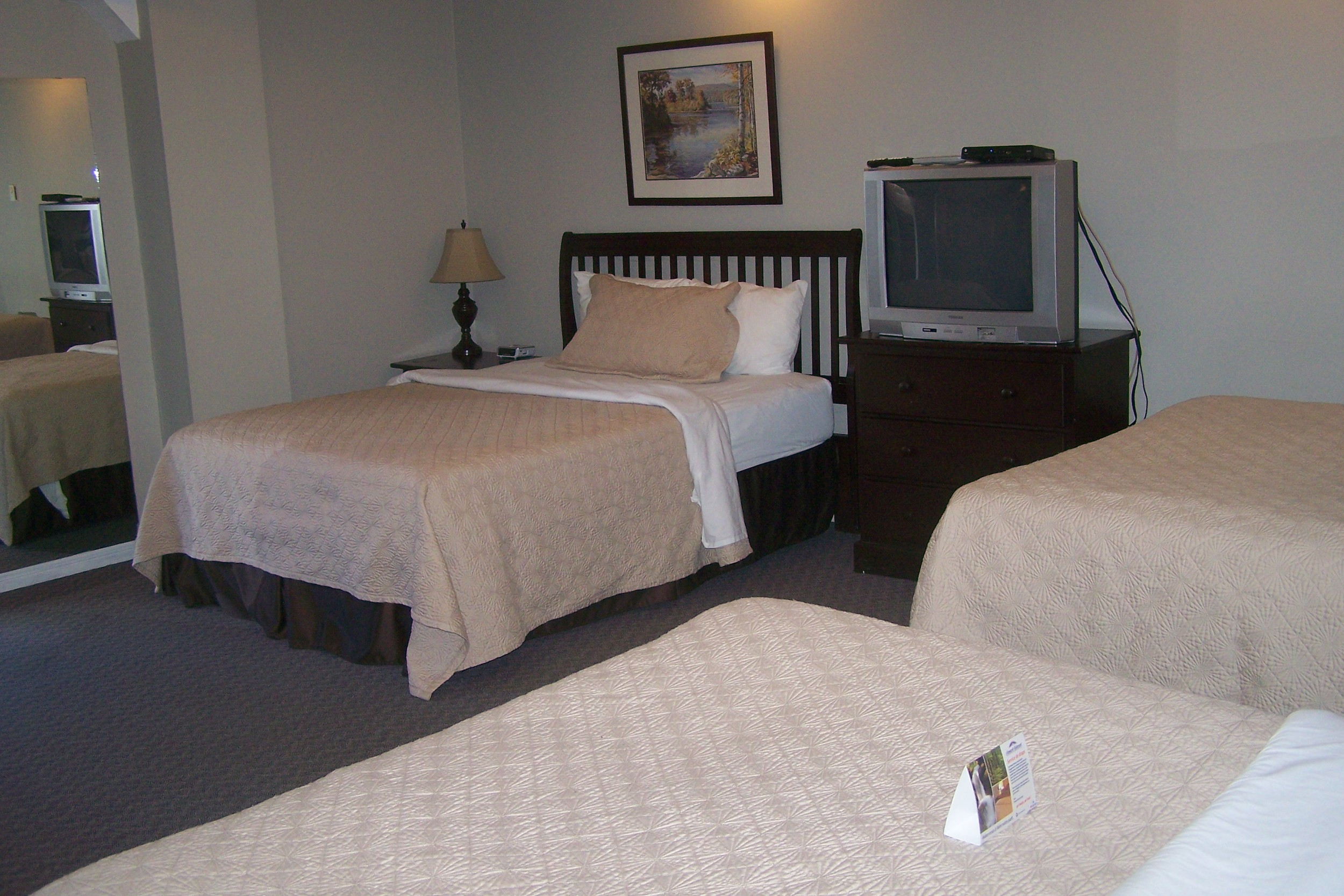 Bluenose Motel Rooms2 021.jpg