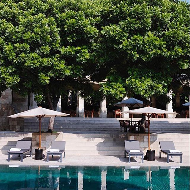 @cntraveler is one of our favorite accounts to follow. This feature at the Amanjiwo resort in Indonesia looks entirely ideal. #amanjiwo #amanjiworesortjava #indonesia #travellife #worldtravel #lifewelltraveled