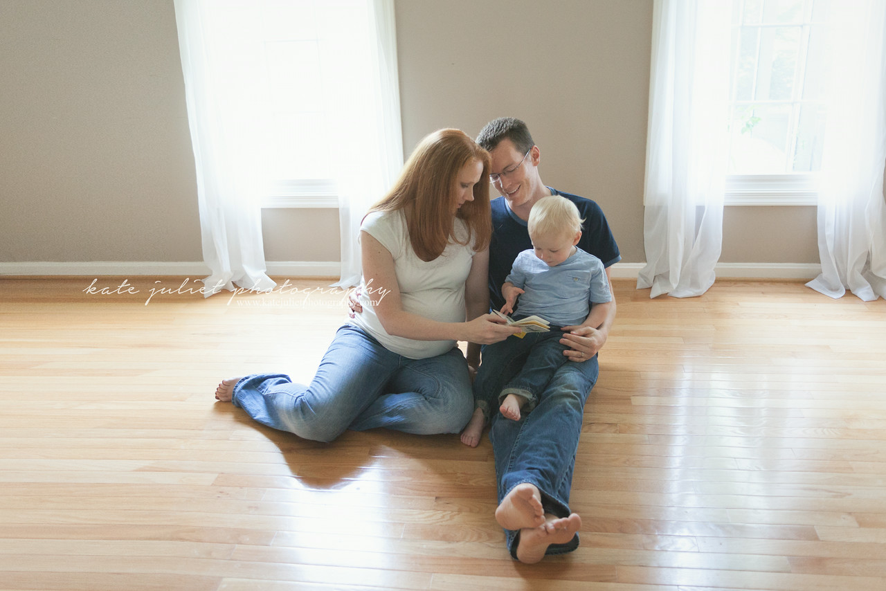 Reston VA Maternity Pregnancy at-home Photographer | Kate Juliet Photography