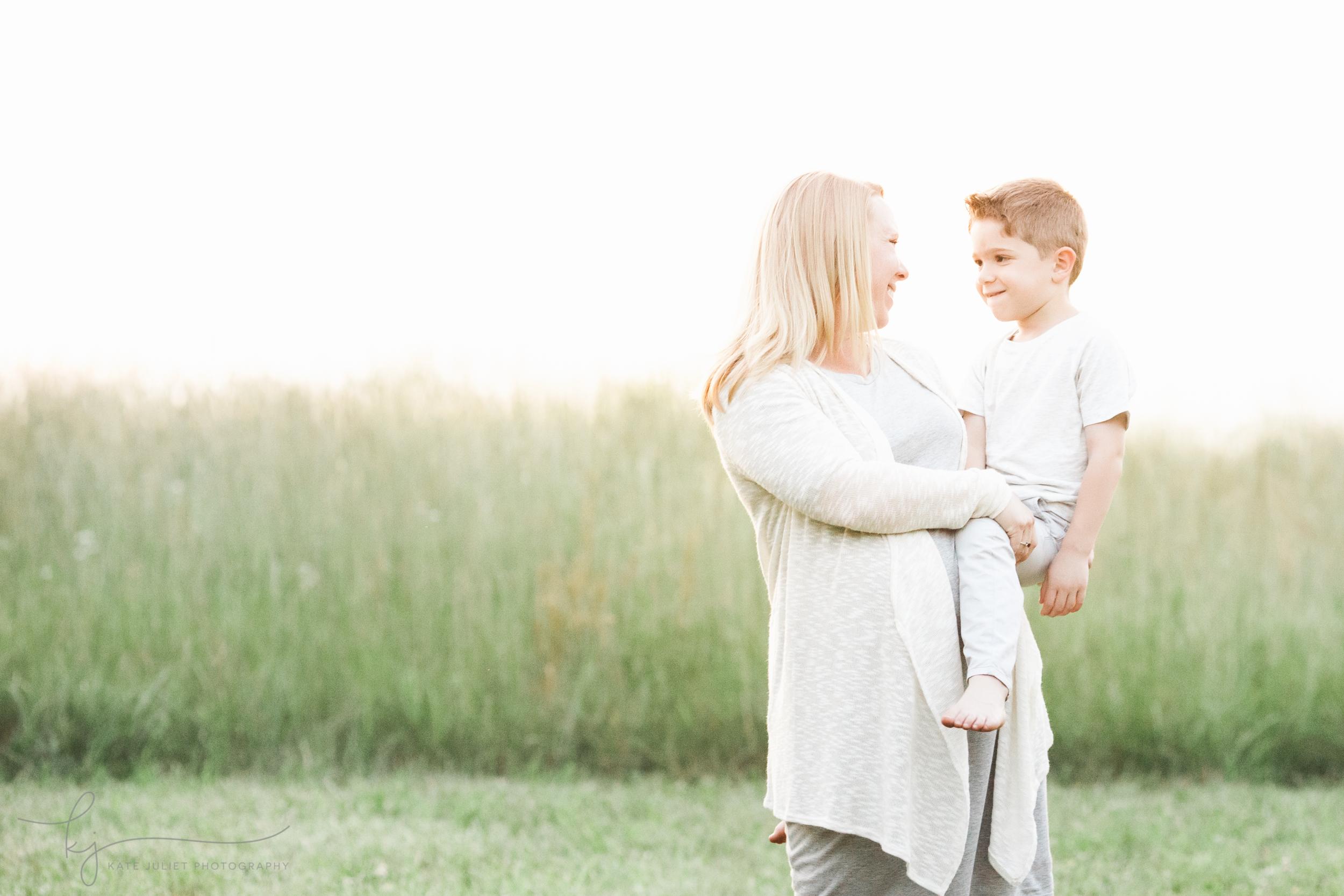 Fairfax VA Family Maternity Photographer | Kate Juliet Photography