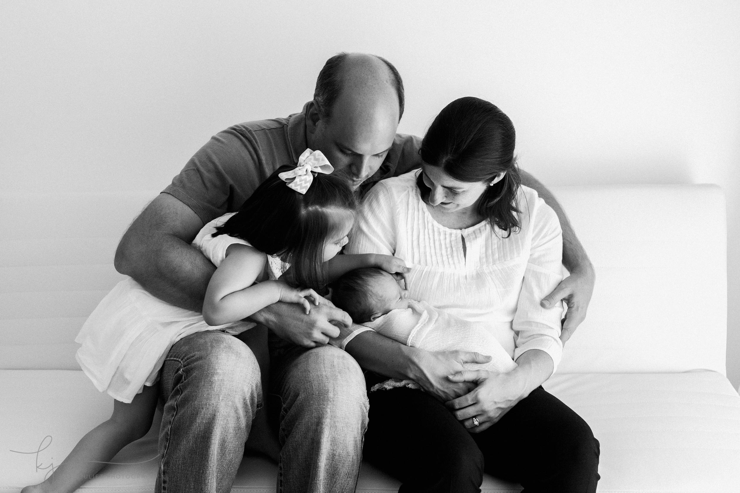kate_juliet_photography_arlington_newborn_wm-059254-2.jpg