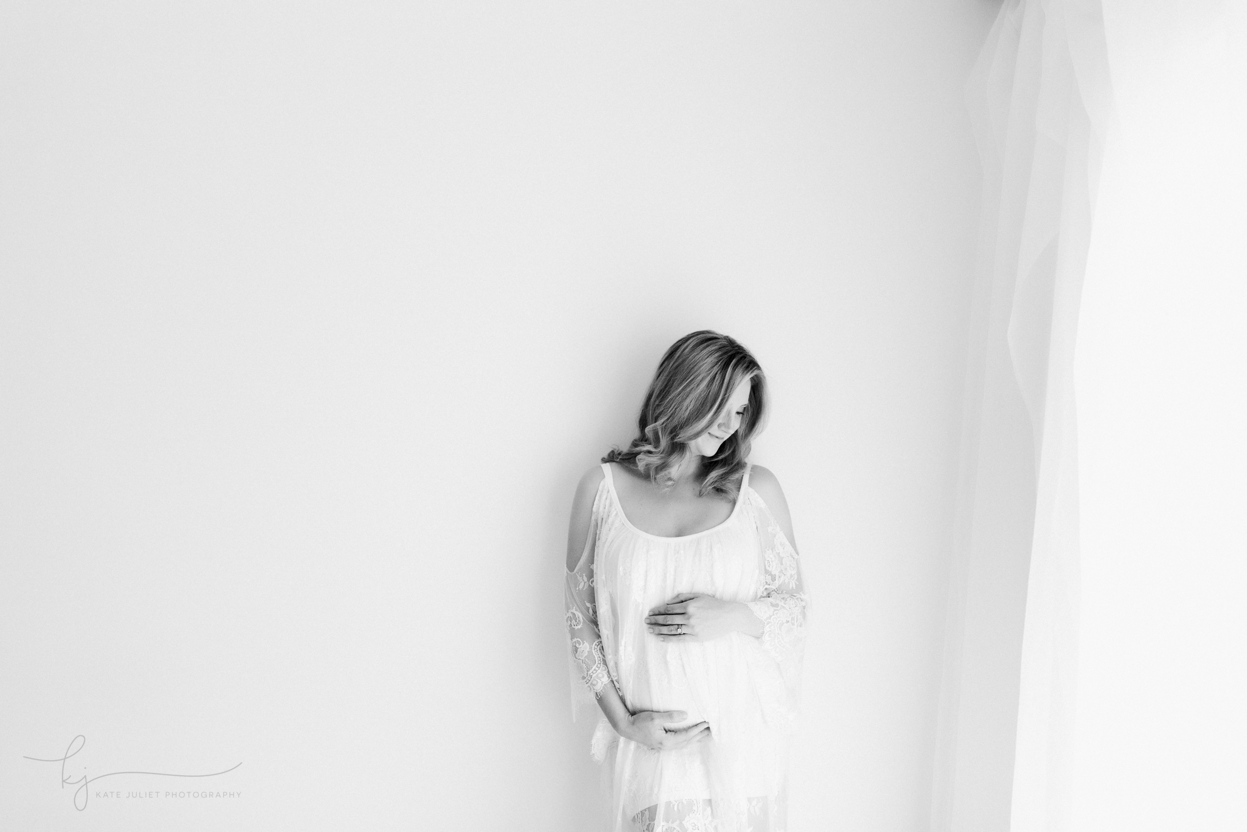 Alexandria VA Pregnancy and Newborn Photographer | Kate Juliet Photography