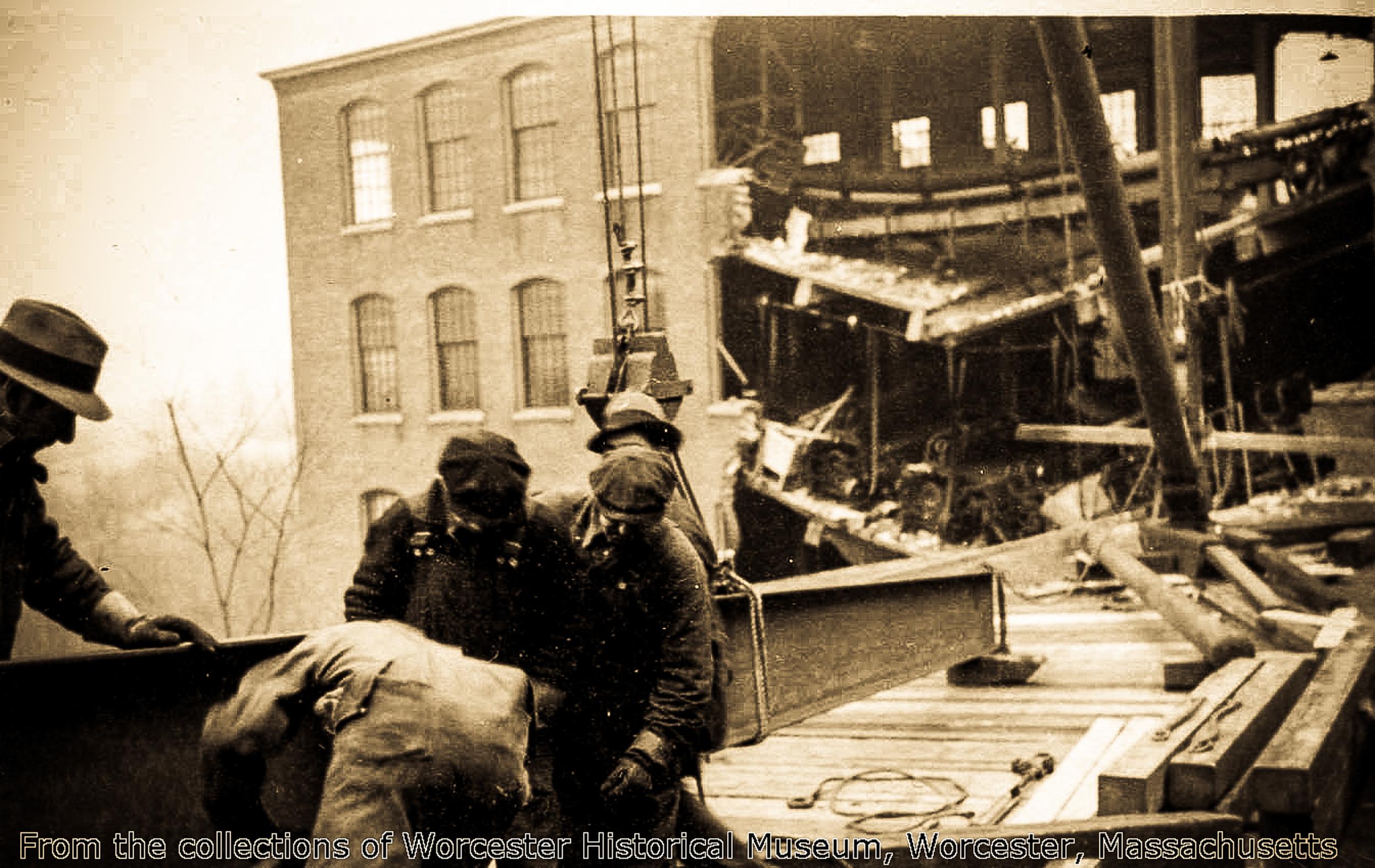 1511 Main Street (Duffy Mills-Flood 1936) #7.jpg