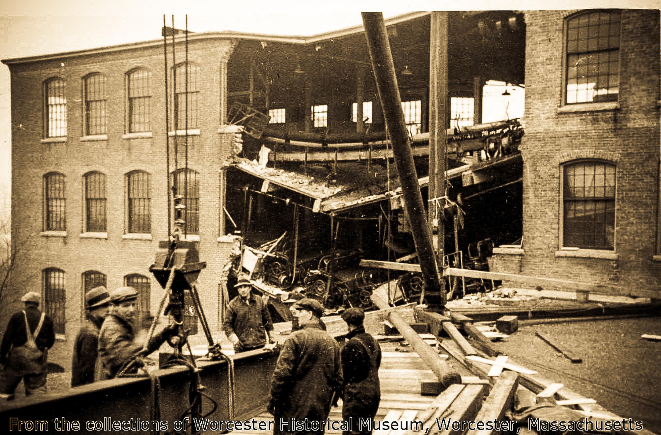 1511 Main Street (Duffy Mills-Flood 1936) #9.jpg