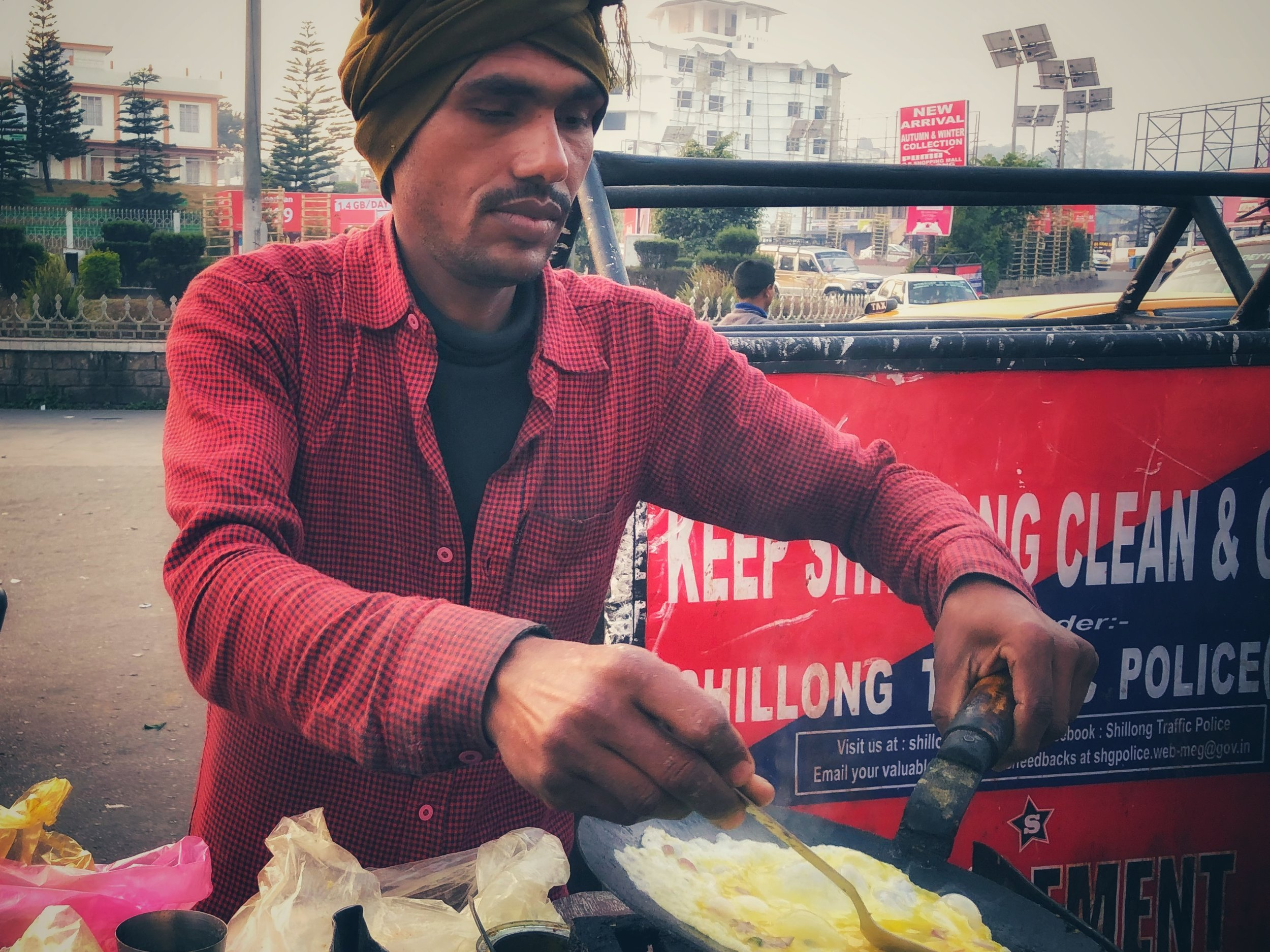 Delicious breakfast of roti and omelette 'slider' at Police Bazar (50p)