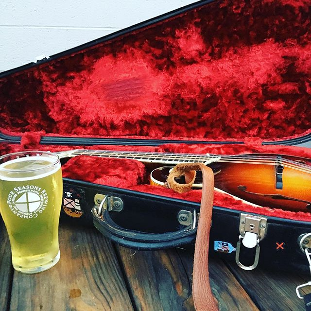 Playing tonight at the 4 Seasons Brewery in Latrobe. Come have a beer. @fourseasonsbrewingco @mandolin